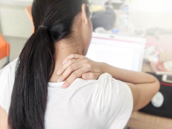 4 Bướcgiúpmassage cổ đơn giản mà hiệu quả
