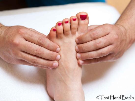 Cách massage bấm huyệt đơn giản giảm căng thẳng
