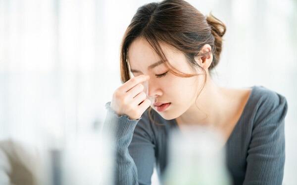 Nguyên nhân gây chóng mặt buồn nôn vào buổi sáng